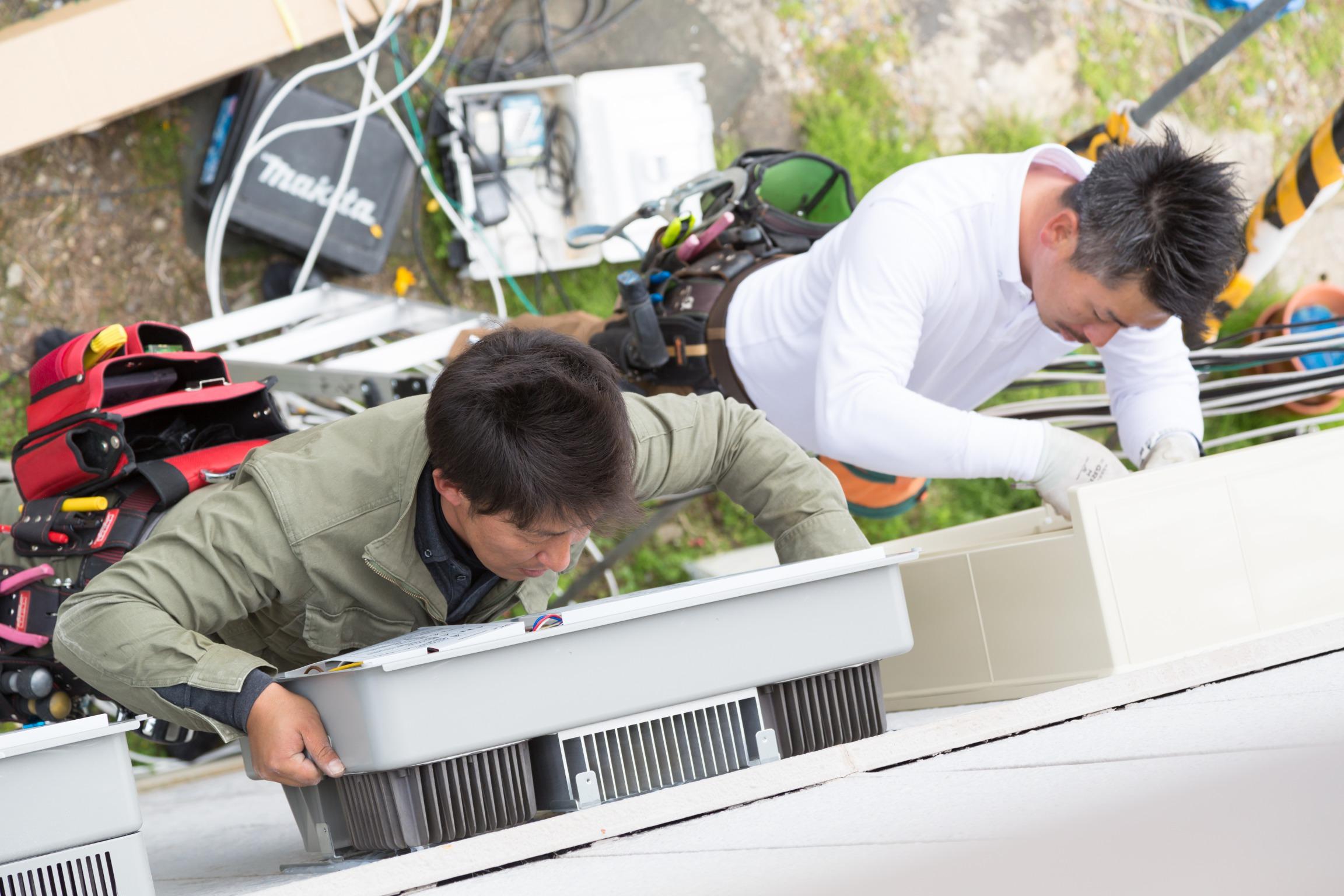 太陽光パネル取付 作業
